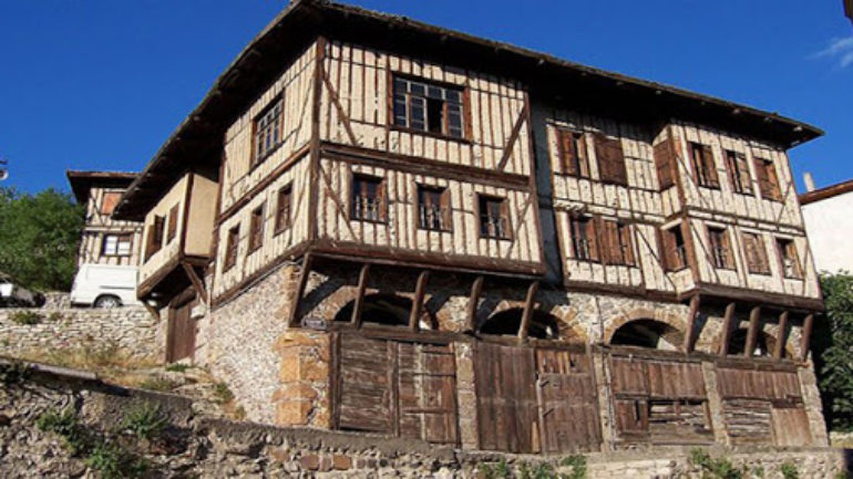 Gelenekli Türk Evi'nin Kaynakları…